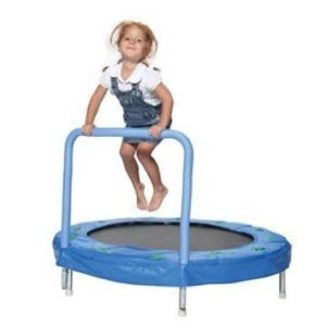 Best mini trampoline for toddlers kids 2017 reviews for Trampoline interieur